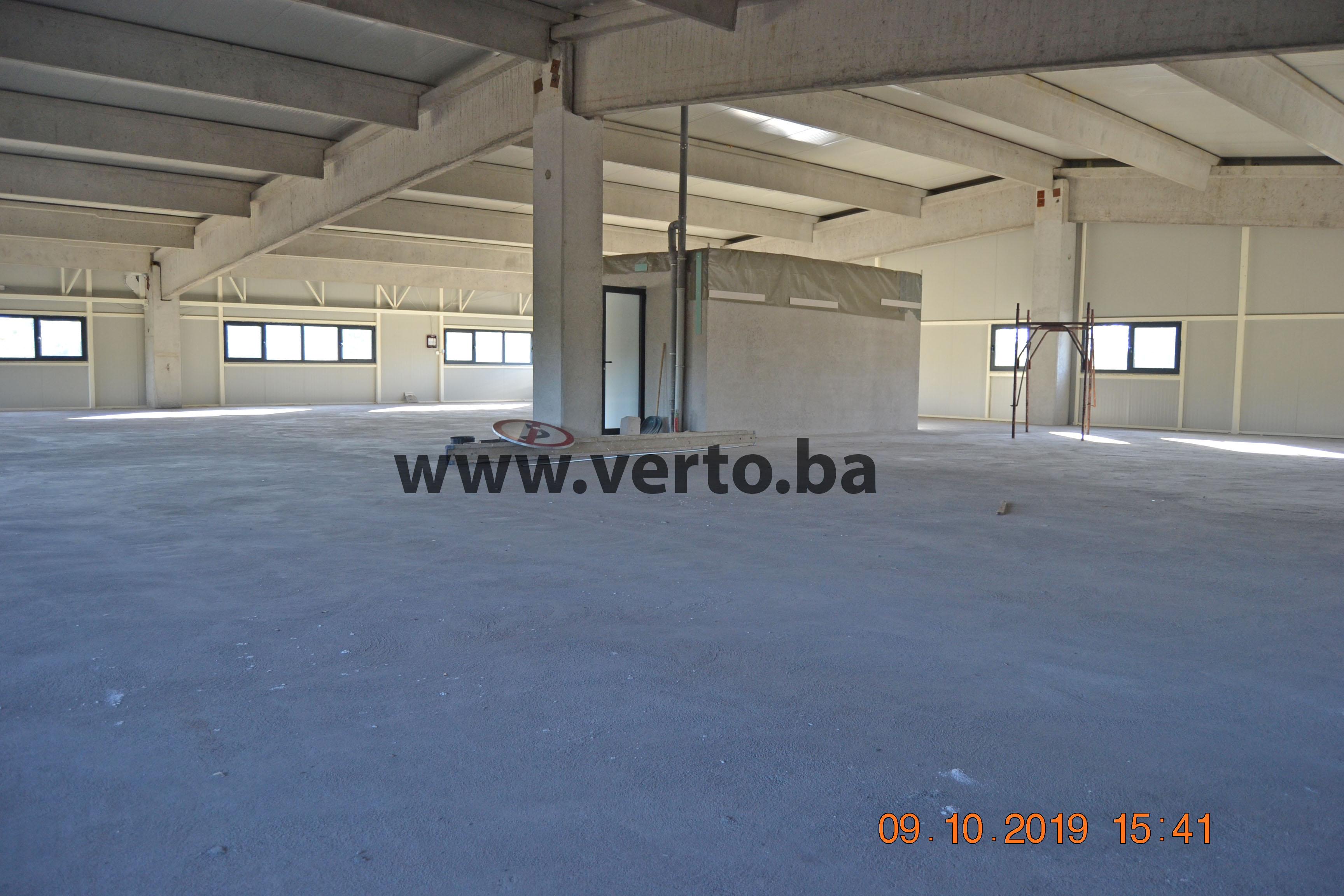 Poslovni prostor, površine 720 m2 na odličnoj lokaciji pored magistralnog puta M4 Tuzla – Lukavac
