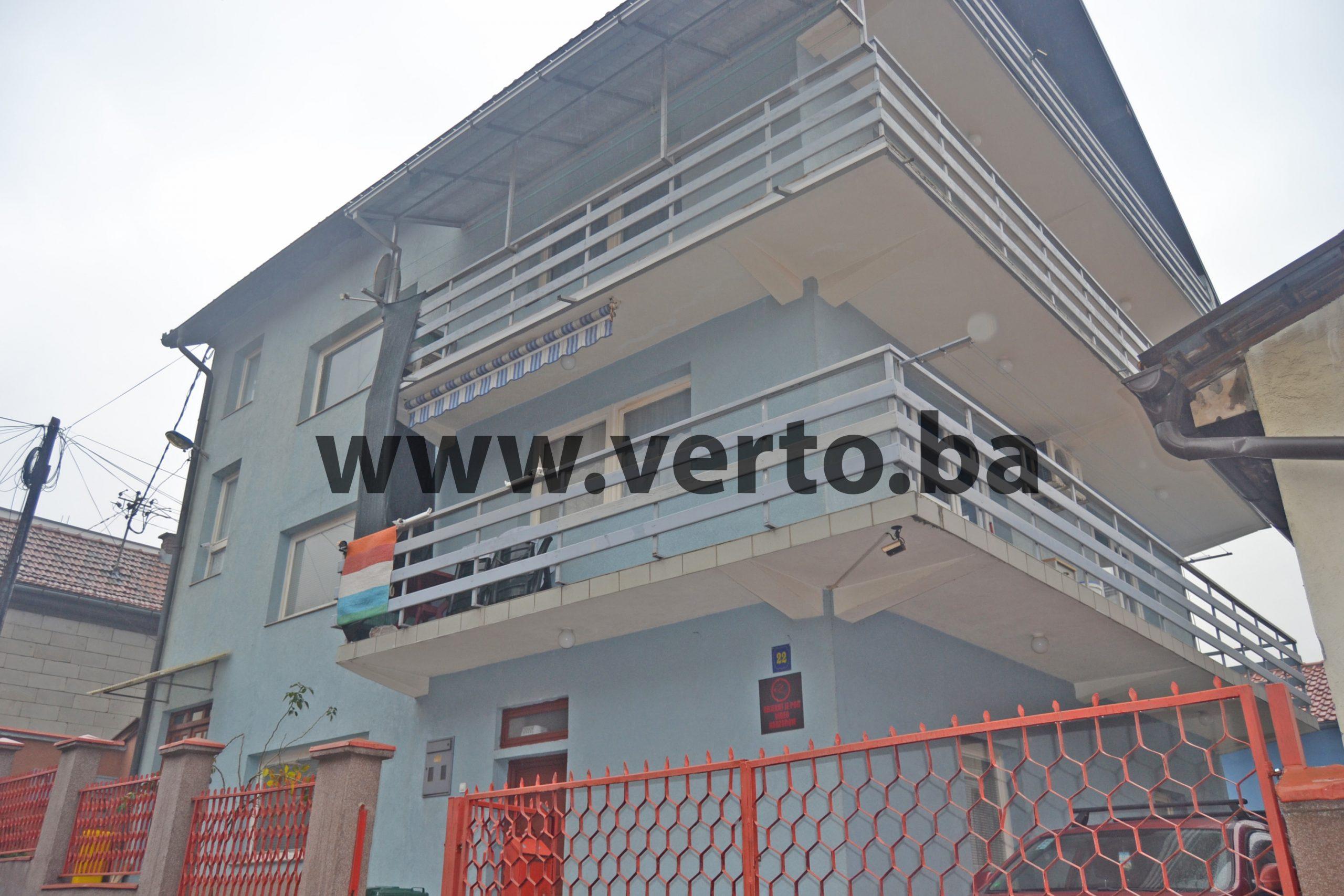 Prodaje se kuća površine 380 m2 u naselju Kula, Tuzla