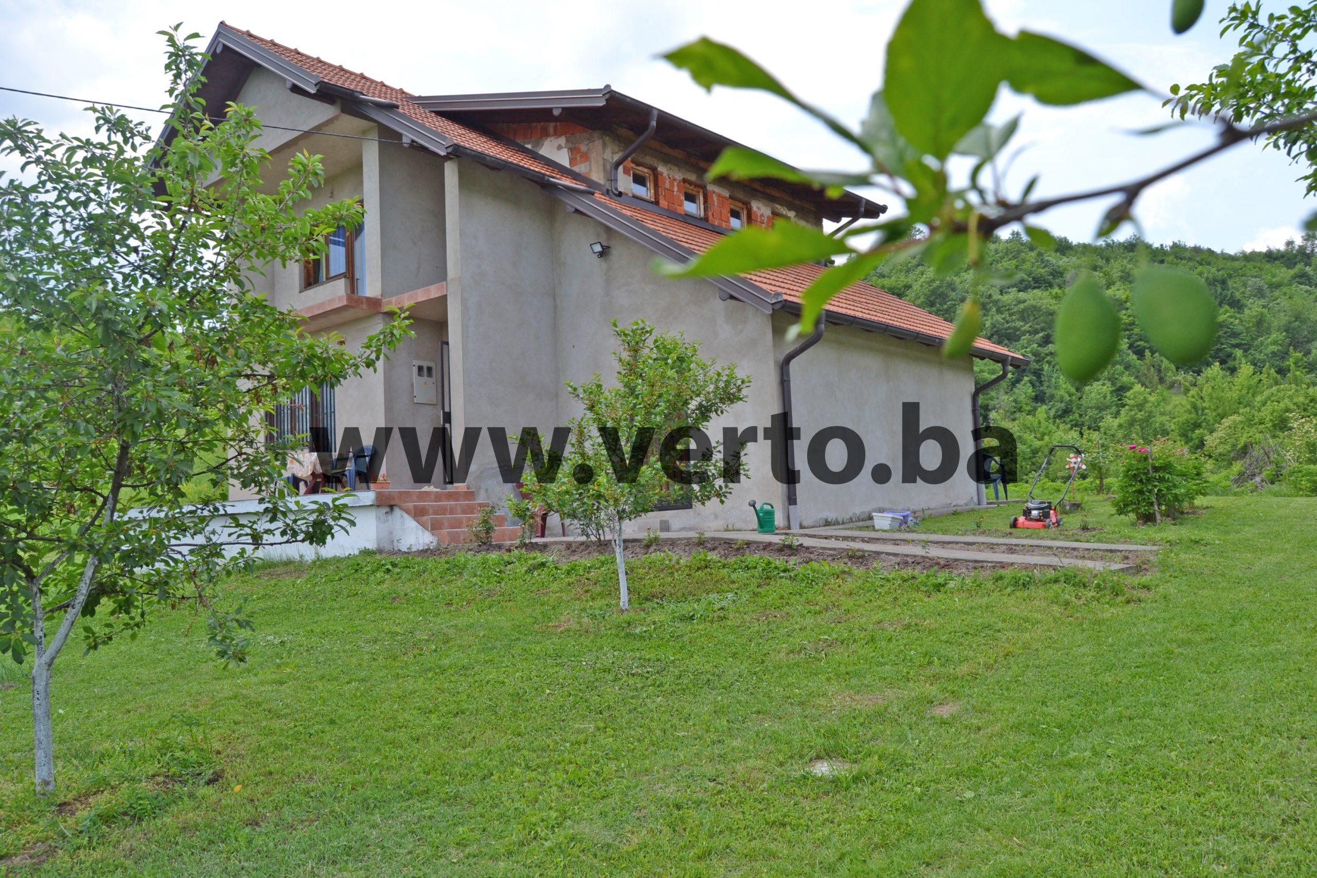 Prodaje se kuca – vikendica 90 m2, na parceli od 2591 m2, Pozarnica, Tuzla