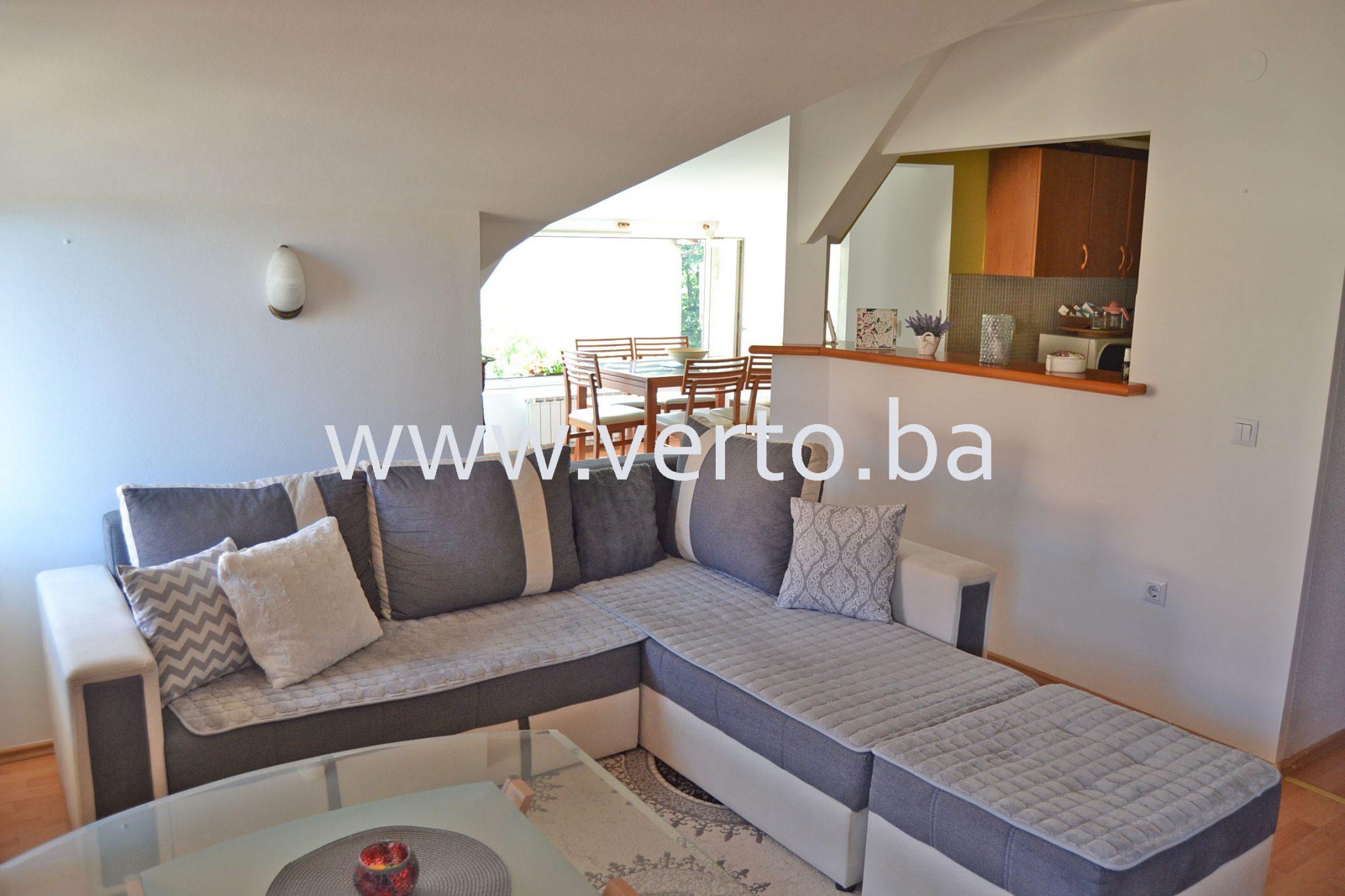 Troiposoban stan 83 m2, Centar, Tuzla