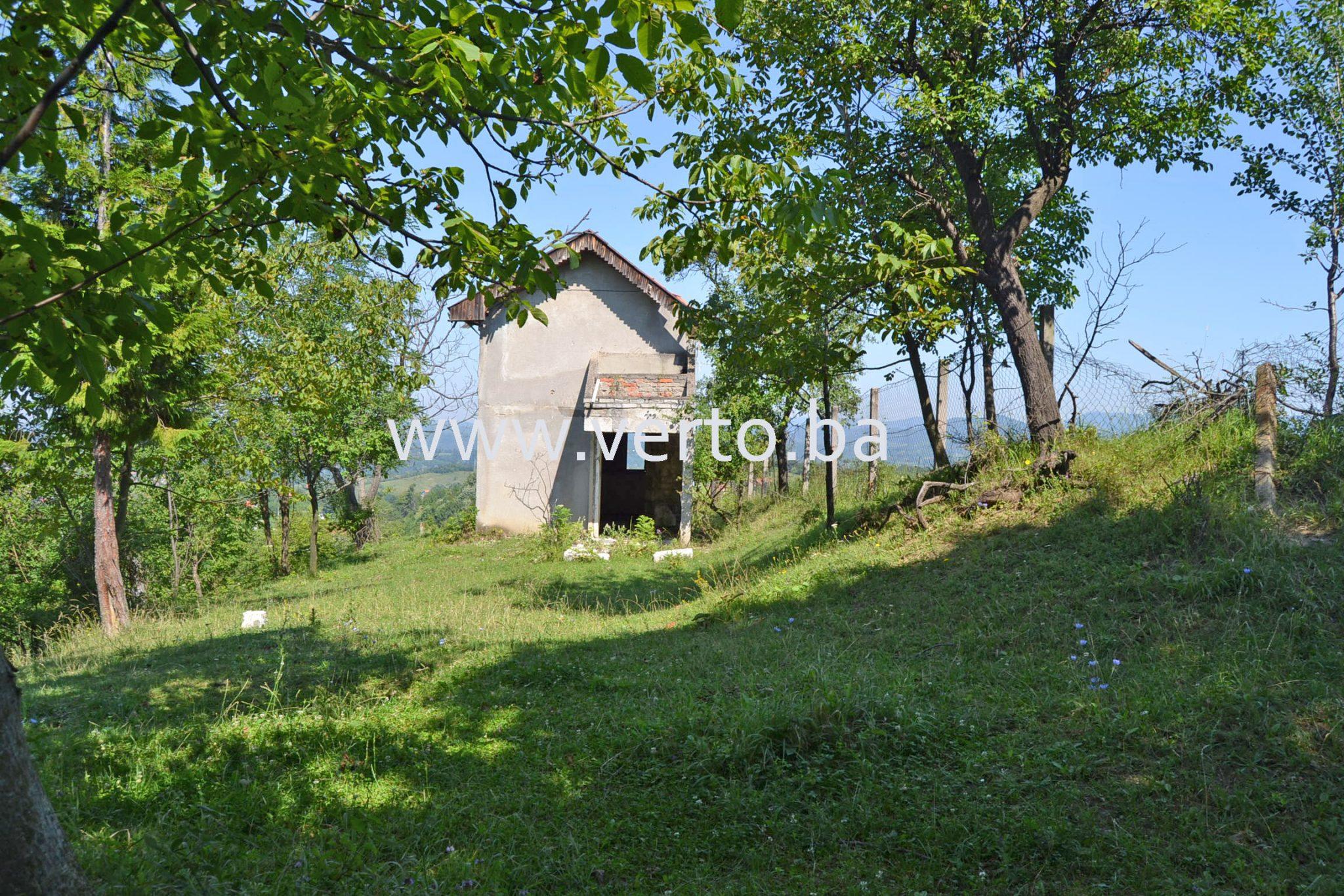 Zemljiste 1090 m2, vikendica 24 m2, Vasici, Tuzla