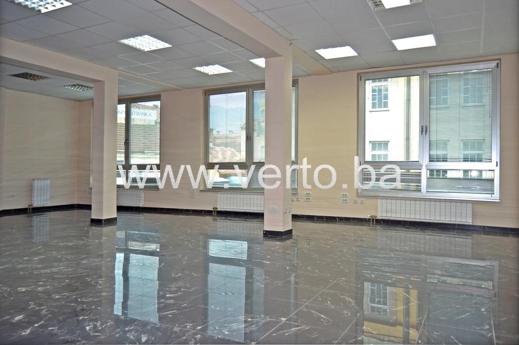 POSLOVNI PROSTOR 280 m2, CENTAR, TUZLA