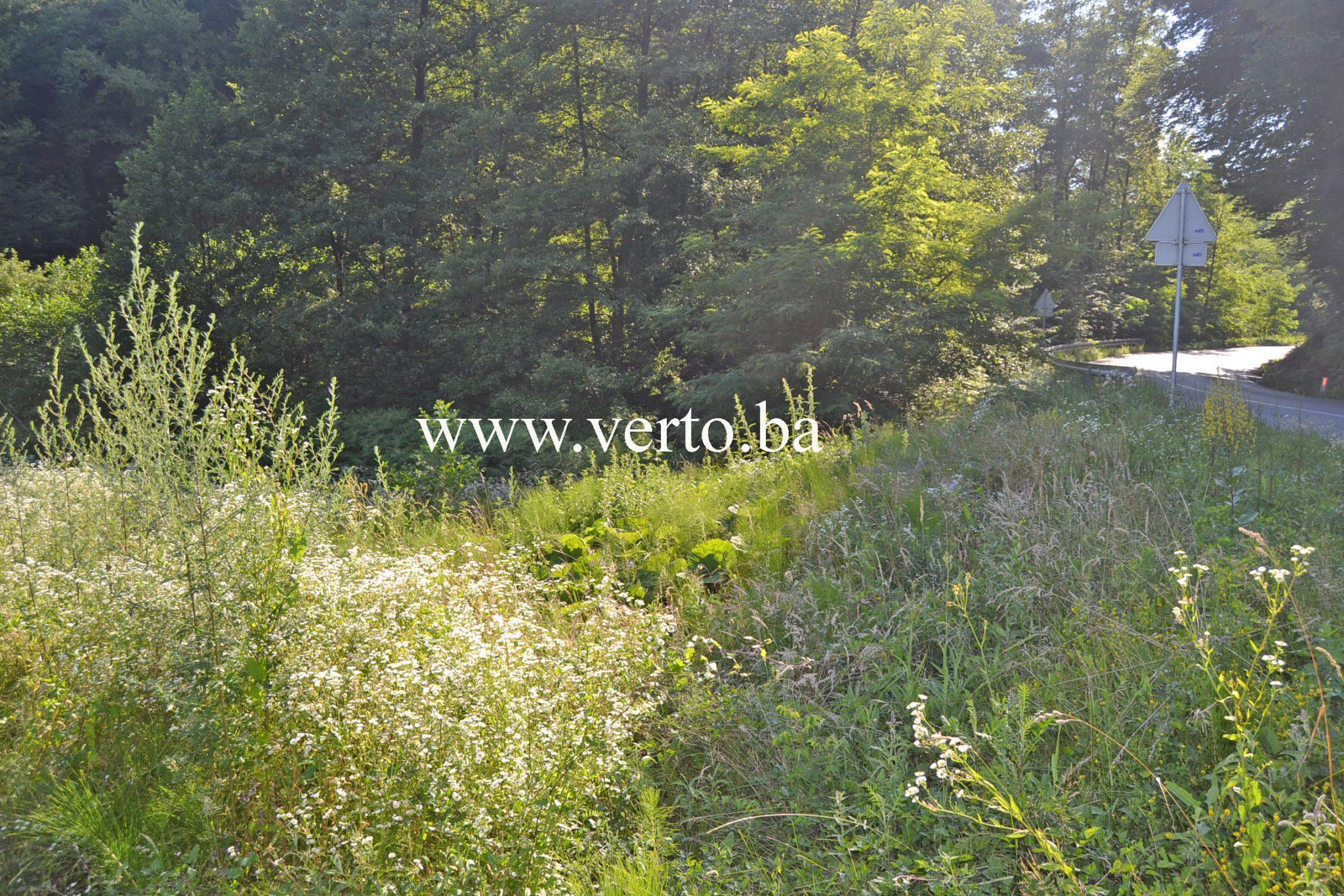Visenamjenska zemljisna parcela povrsine 1.898 m2, Par Selo, Tuzla